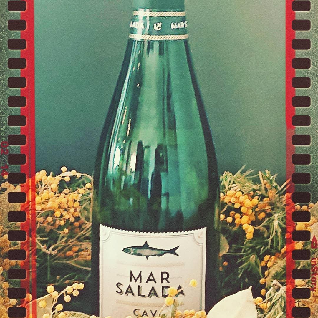 スペインのカヴァ(スパークリングワイン)新しくなりました。 是非お試しください。